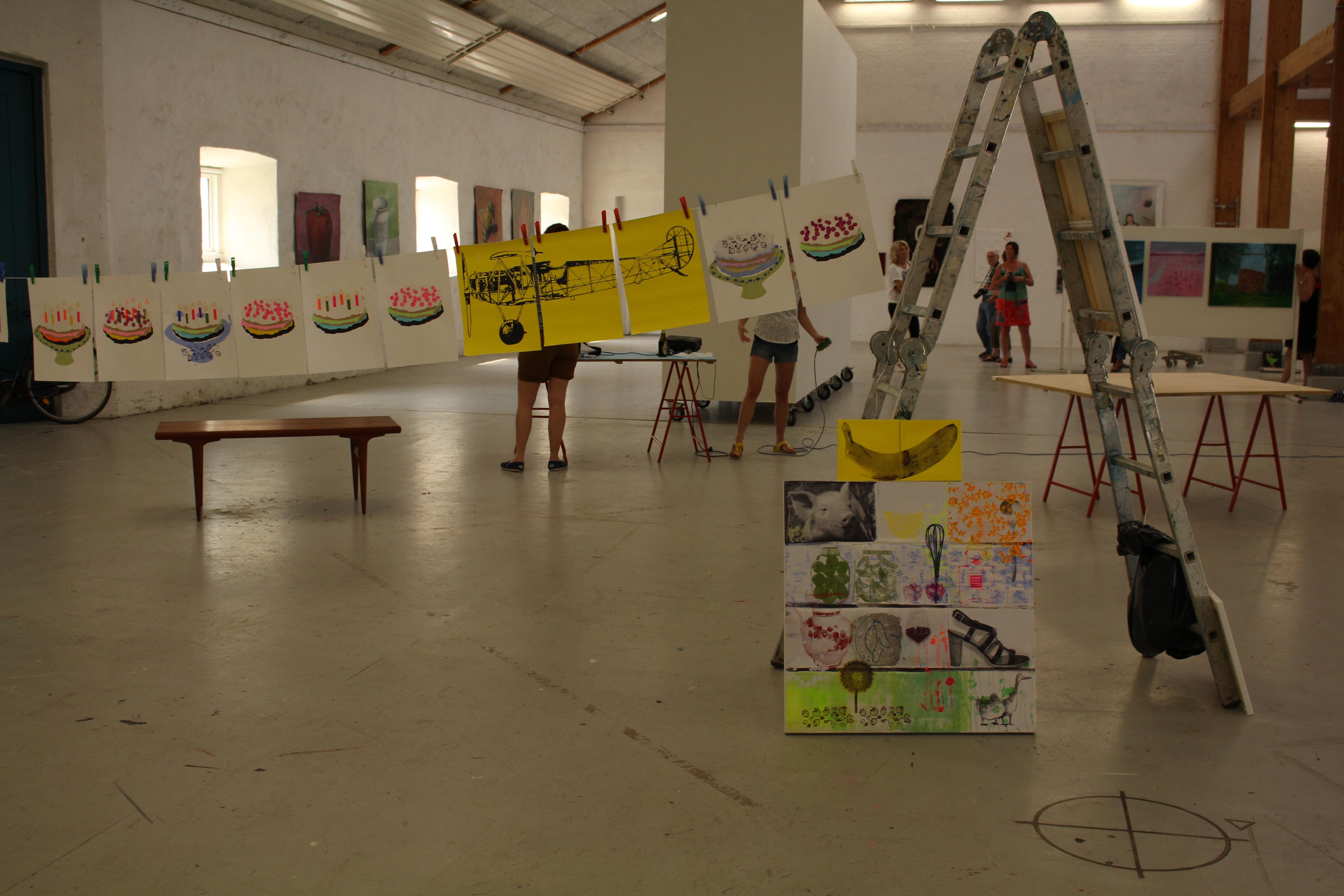 I udstilling
